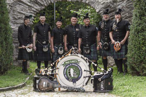 """Die Dudelsackgruppe """"MacLauts"""" ist heute, Freitag, 24. Jänner, auf dem Wolfurter Wochenmarkt zu hören."""