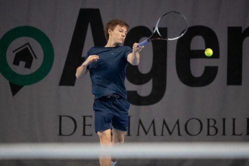 Die Hallenlandesmeistertitel 2020 gingen an den 18-jährigen Niklas Rohrer und die 14 Jahre alte Laura Fuchs.VN/Sams
