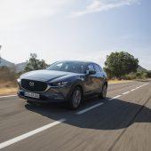 Autonews der WocheE-Auto aus den USA mit 640 Kilometern Reichweite / Skoda setzt Octavia RS unter Strom / Größere Motorenauswahl beim Mazda3 und CX-30