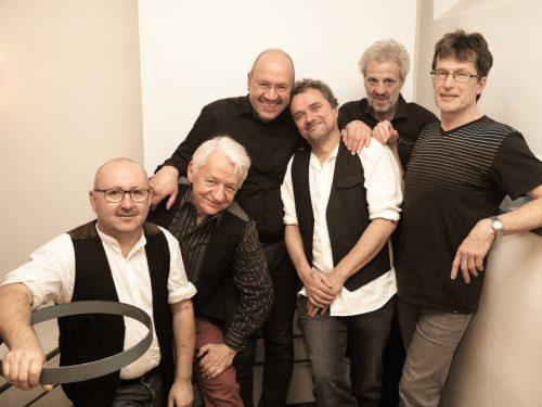 "Die ""Never Do Well"" – Bluesband mit Bernie Weber, Stefan Szalay, Michael Wocher, Joe Blocher, Johannes Kremmel und Charlie Müllner. Sigrid Juen"