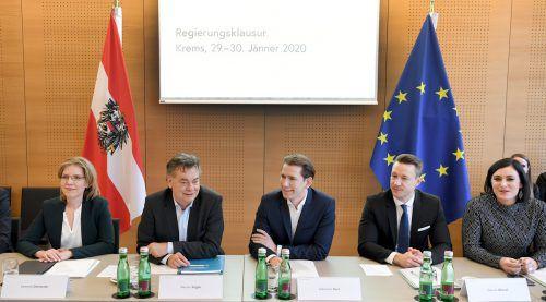 Die Regierungsmitglieder beraten im niederösterreichischen Krems. APA