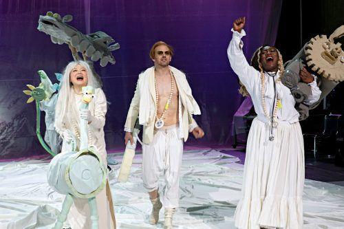 """Die Schauspieler singen ihre Parts in """"Der Streik"""" am Schauspielhaus Zürich alle durchaus achtbar. Schauspielhaus/Folly"""