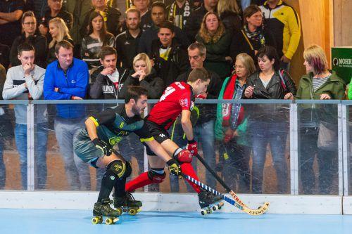 Duell der Torjäger: Wolfurts Iker Bosch (r.) und Alberto Gomez del Torno (l.) erzielten beim letzten Aufeinandertreffen jeweils zwei Tore. VN/Stiplovsek