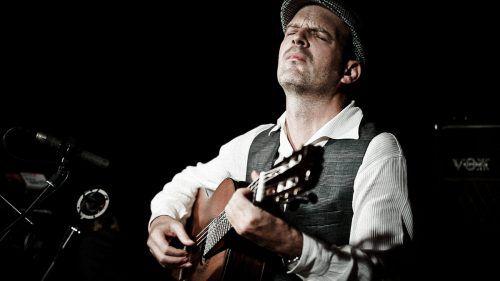Einer der besten Jazzgitarristen der Welt – Wolfgang Muthspiel – ist am Sonntag in der Kulturbühne Ambach in Götzis live zu erleben.laura pfeifer