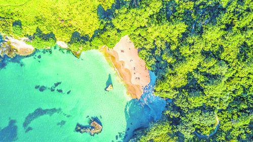 Einheimische wie Urlauber nutzen die Halbinsel Coromandel um sich zu entspannen.