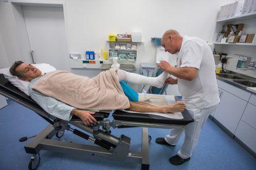 Endstation Krankenhaus. Für nicht wenige Wintersportler endet ein Skitag mit einer schweren Verletzung. VN/Steurer