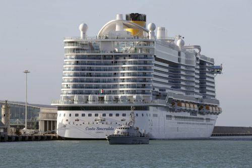 Entwarnung ist an Bord des Kreuzfahrtschiffes Costa Smeralda gegeben worden, das am Donnerstag wegen eines Corona-Verdachts im Hafen von Civitavecchia bei Rom festgehalten wurde.AFP