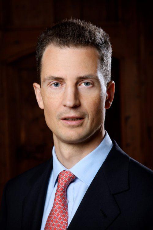 Erbprinz Alois von und zu Liechtenstein referiert im Rahmen eines Lunch in Vaduz. mtp