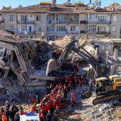 28 Stunden unter Trümmern: Frau und Kind in der Türkei gerettet