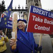 We are out: Nach knapp 50 Jahren Mitgliedschaft verlassen die Briten die EU. A2, 3