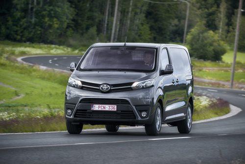 Für die aktuelle Proace-Generation hat sich Toyota mit PSA zusammengetan. Der Preis: ab 22.250/26.700 Euro (inkl./exkl. MwSt.).