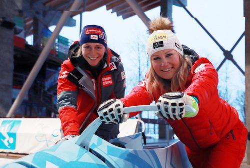Für ein Skitraining war das Wetter in Rosa Khutor nicht geeignet, da versuchten sich Michaela Heider und Tamara Tippler auf der Bobbahn.gepa