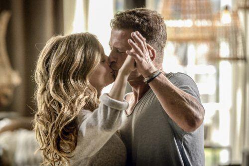 Für Thomas und Lina sollen endlich die Hochzeitsglocken läuten. Warner Bros