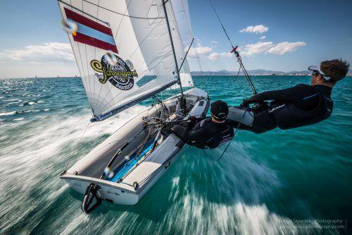 In Action: Die Bregenzer David Bargehr und Lukas Mähr vor der Küste von Miami.STÖRKLE