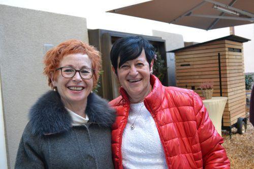 Marlies Fritsch und Evi Kaufmann freuten sich, ehemalige Kollegen wiederzusehen.