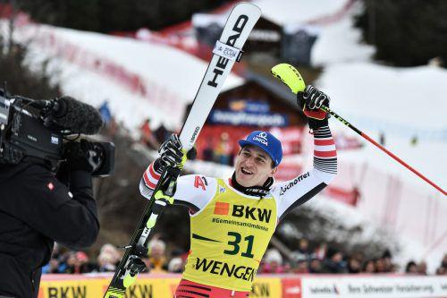 Matthias Mayer jubelte in Wengen über seinen ersten Weltcuperfolg in einem Kombinationsbewerb.apa