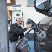Für E-Tankstellen sprudelt mehr Geld