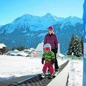 """<p class=""""infozeile"""">               mit der kristbergbahn gehen              </p><p class=""""infozeile"""">               winterträume in erfüllung             </p><p class=""""infozeile"""">Leicht überschaubar und sympathisch begeistert der Genießerberg Kristberg. Abseits vom großen Rummel kann man hier Genuss-Skifahren, Langlaufen, Skitouren, Relaxen, Rodeln, Schneeschuh- oder Winterwandern. Highlight für die Kleinen ist """"Silbis Winterwelt"""", ein kostenlos nutzbares Übungsgelände mit dem Sunkid Zauberteppich (Förderband). Geführte Touren oder Begleitfahrten auf dem Pistenbully runden das Schneezeit-Angebot ab.</p>"""
