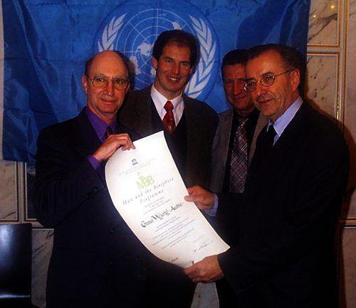 Mr. Brightwater von der UNESCO, Josef Türtscher, Landesrat Erich Schwärzler und Landeshauptmann Herbert Sausgruber. Biosphärenpark
