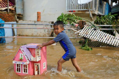Nach heftigen Regenfällen sind weite Teile überflutet. Reuters