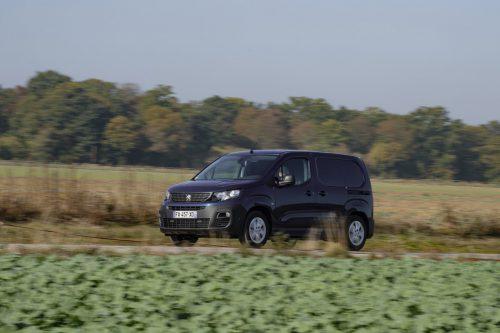 Peugeot Partner: Die Löwen-Interpretation des Themas Kompakttransporter respektive Hochdach-Kombi mit Nützlings-Ausrichtung in zwei Längen.