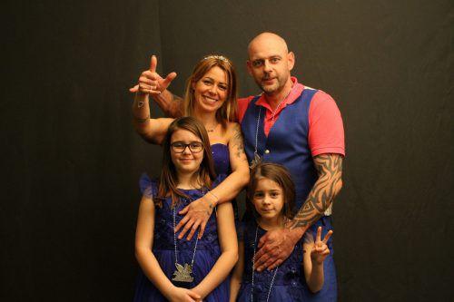 Prinzessin Anita und Prinz Mario mit ihren Infantinnen Lea und Pia.