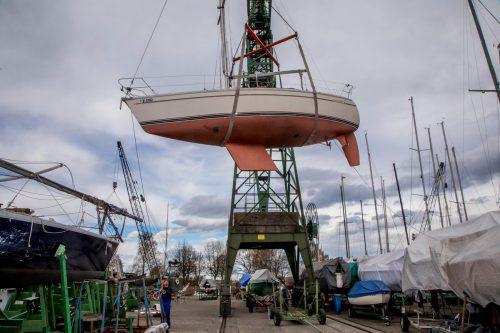 Rund 450 Boote überwintert die Hartmann Werft Winter für Winter. Nun soll weiterer Platz für 100 Boote geschaffen werden.VN/Paulitsch