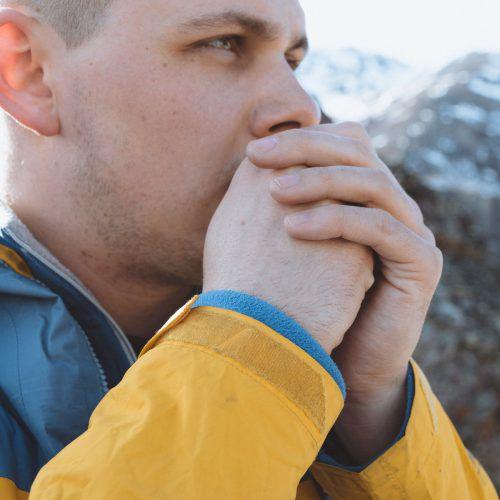 Schmerzende Gelenke bei Kälte sollten und müssen nicht sein.unsplash