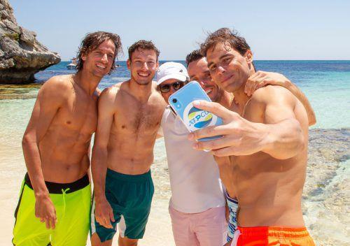 Spaniens Star Rafael Nadal (r.) mit seinen Teamkollegen Feliciano Lopez, Roberto Bautista Agut und Pablo Carreno Busta.ap