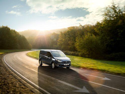 Sportlicher wirkt das Exterieur des Ford Transit Connect nach der Kosmetikkur. Neu geordnet ist das Antriebsprogramm, nachgelegt wurde bei der Elektronik.