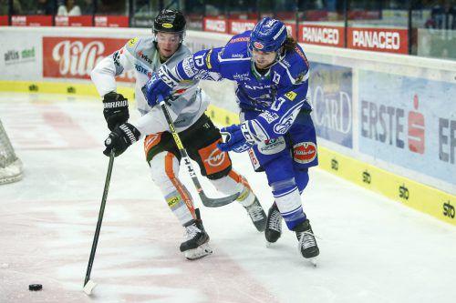 Stefan Häußle hat mit Chris Collins noch ein Hühnchen zu rupfen: In den ersten drei Aufeinandertreffen ging Dornbirn gegen Villach dreimal als Verlierer vom Eis. gepa