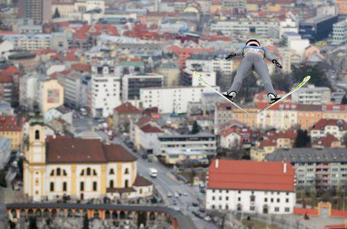 Stefan Kraft hat mit Tagesbestweite (132,5 Meter) ein Ausrufezeichen am Berg Isel von Innsbruck gesetzt und ist für den Bewerb heute mehr als gerüstet.gepa