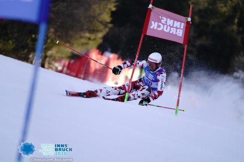 Stefan Mangard auf seiner Goldfahrt beim Sprint-Riesentorlauf am Patscherkofel.Louis
