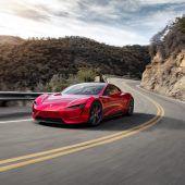 Autonews der WocheMarktwert von Tesla legt kräftig zu / New Stratos im Auktionshaus / Ford elektrifiziert seine Vans