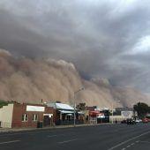 Sandstürme, Hagel und Sturzfluten suchen Australien heim