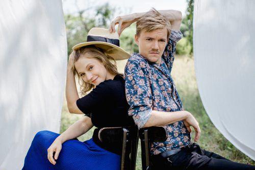 Verena Doublier und Sebastian Radon sind Wiener Blond. k. rever