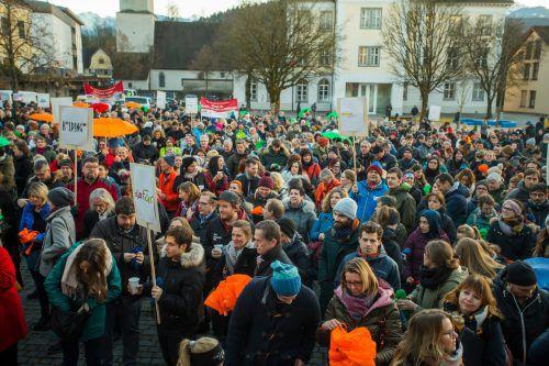 Viele haben sich Zeit genommen und sind dem Aufruf zur Kundgebung gefolgt. vn/paulitsch
