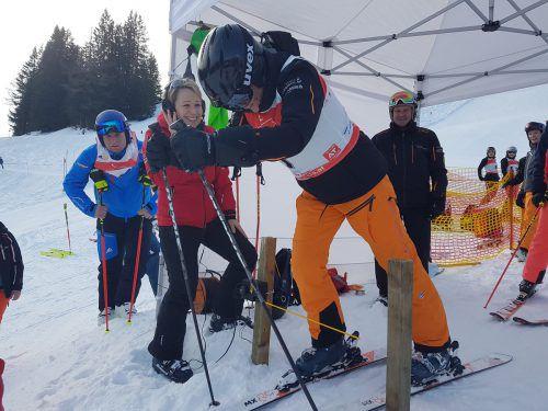 Vizebürgermeisterin Gudrun Petz-Bechter übernahm beim ersten Läufer die Rolle des Starters. skiverein Tisis