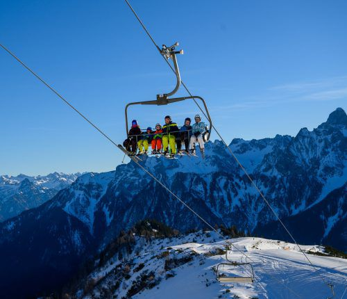 Der Skibetrieb muss in Vorarlberg vorerst nicht eingestellt werden. VN/Lerch