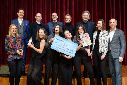 1000 Euro Preisgeld gab es zusätzlich zu Ruhm und Ehre für die Hugo-Gewinner, das Kollektiv XYlit.Matthias RHomberg
