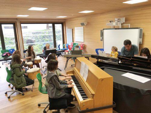 18 Musikschulen im Land zählen insgesamt 15.500 Musikschüler. MEZ