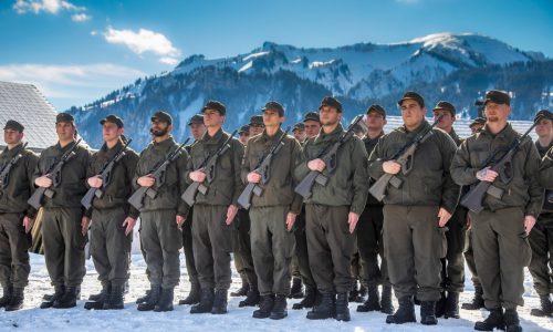 30 Rekruten des Einrückungsturnusses Februar 2020 wurden am Freitag in Sibratsgfäll feierlich angelobt. VN/Paulitsch