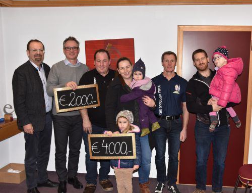 4000 Euro gingen an eine Familie, 2000 an den Sozialfonds..