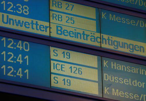 Am Sonntag wurden auch etliche Flüge von Köln aus annulliert. Reuters