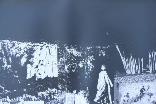 """Ausgehend von Fotos und in vielen Arbeitsgängen entstehen die mit dem geologischen Begriff """"Stratigraphien"""" bezeichneten Werke von Gerda Enk. AG"""