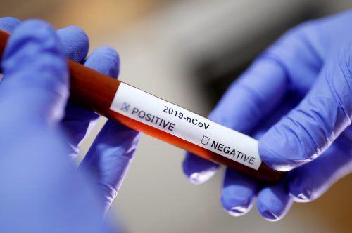 Außerhalb des chinesischen Festlands sind knapp 700 Infektionen bekannt. reuters