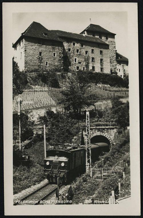 Bahn- und Straßentunnel verliefen einst direkt nebeneinander.