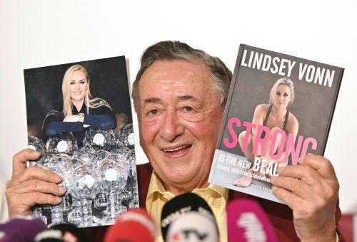 Bei der Pressekonferenz freute sich Lugner noch über seine prominente Begleitung Lindsay Vonn - kurze Zeit später gab es eine Absage. APA