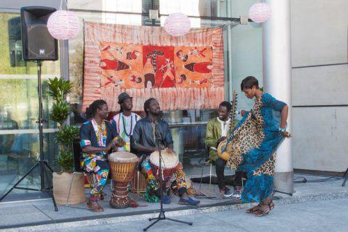 Beim Afro Carnival erlebt man afrikanischesLebensgefühl mitten in Wolfurt. VERANSTALTER