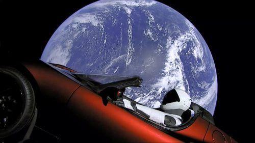 """Beim Test der Weltraumrakete """"Falcon Heavy"""" hat SpaxeX einen Tesla ins All geschossen.AP"""